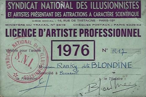 LICENCE D'ARTISTE BLONDINE.jpg